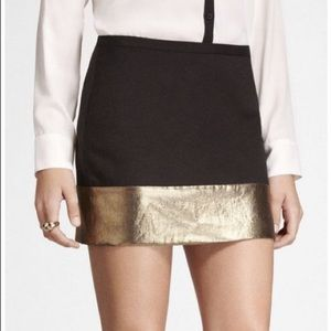 NWT Express size 2 mini skirt black with gold band